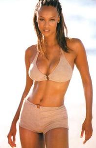 Tyra Banks says no to Photoshop