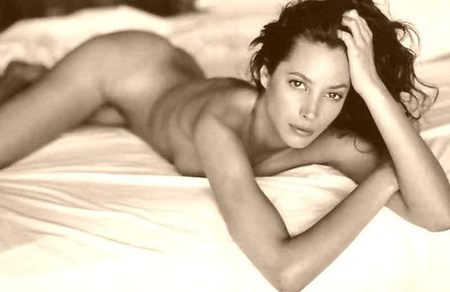 Christy Turlington: No Maybe\'s about Maybelline ...