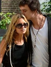 Kate Moss just can�t dump Doherty!