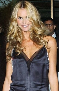 Elle Macpherson to get back with ex?