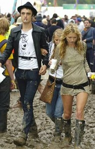 Kate Moss dumps Pete Doherty for the jillionth time...