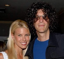 Radio shock jock Howard Stern and supermodel Beth Ostrosky engaged!