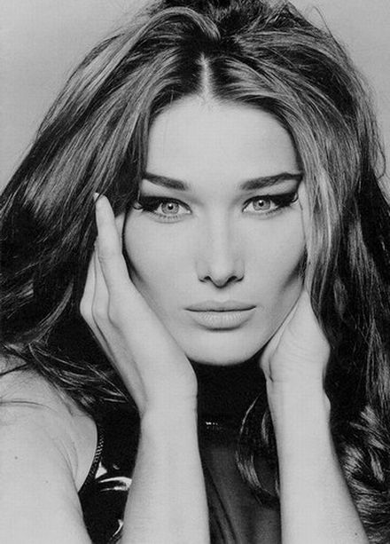Carla Bruni performs at Nelson Mandela birthday concert