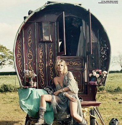Caravan Kate: Miss Moss showcases gypsy chic in new magazine shoot