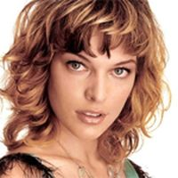 Milla Jovovich can`t resist fish and chips