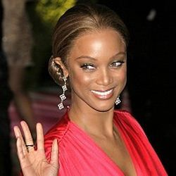 Tyra Banks reveals natural hair