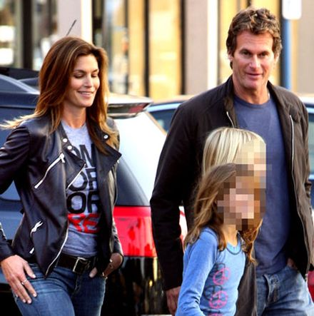 Cindy Crawford Extorted Over \'Bondage\' Photo of Daughter