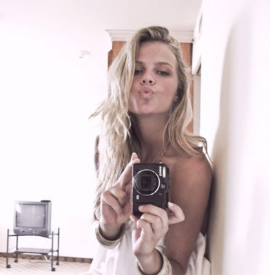 Brooklyn Decker says 'Just Go With It'