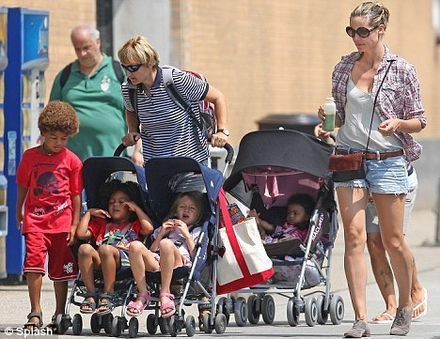 Heidi Klum takes her ENORMOUS brood for a trip to the park in New York