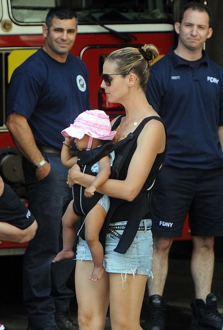 Heidi Klum is scorching! First it\'s the cops, now the supermodel meets NY\'s firefighters