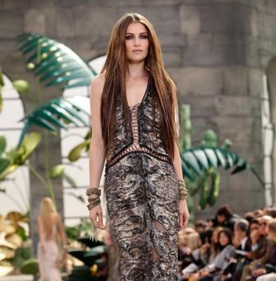 Natalia Vodianova & Laetitia Casta Paid Pretty Sum To Model For Cavalli
