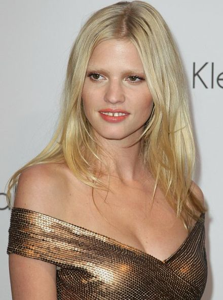 Lara Stone\'s gap-toothed smile sparks shift in quest