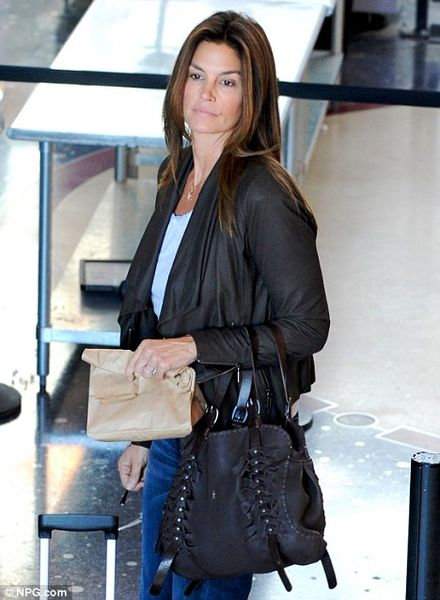 Make-up-free Cindy Crawford looks amazing