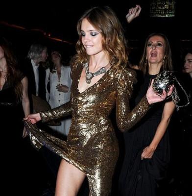 Natalia Vodianova unveils her very hairy legs