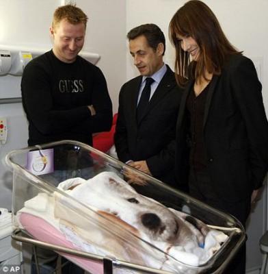 Carla Bruni �desperate to have a baby\' with Nicolas Sarkozy