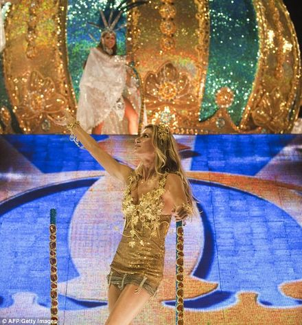 Supermodel Gisele Bundchen shows off her moves at the Rio Carnival