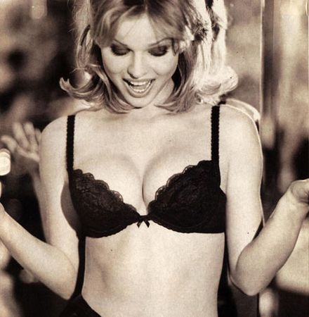 Eva Herzigova\'s Wonderbra billboard voted most iconic
