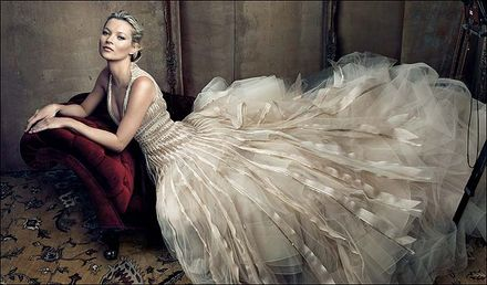 Kate Moss\'s wedding dress rehearsal
