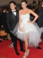 Miranda Kerr Brings the Ballet to New York�s Met Gala
