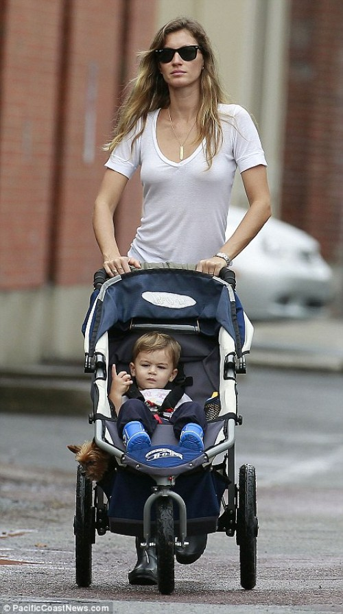 Gisele Bundchen takes her gorgeous baby son for a play date
