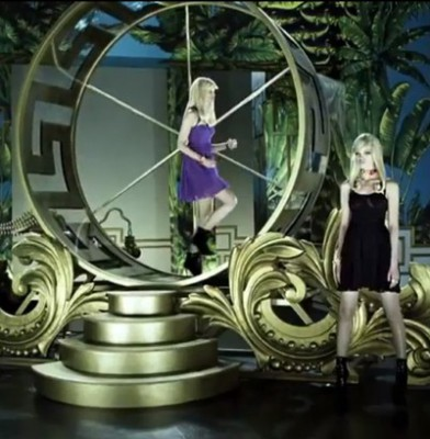 Lindsey Wixson and Daphne Groeneveld in Versace for H&M commercial