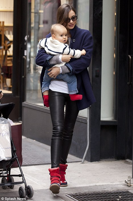 Busy career doesn\'t stop Miranda Kerr from spending quality time with son