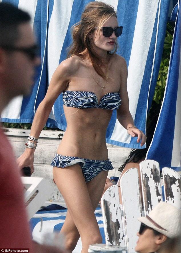 Bikini-skinny Rosie