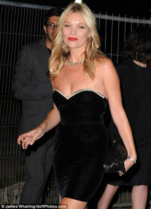 Kate Moss' arm is paralysed