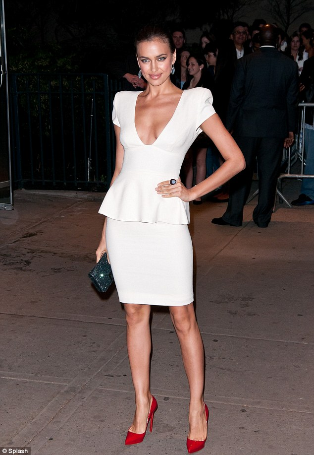 Irina Shayk steals Hunger Games Screening