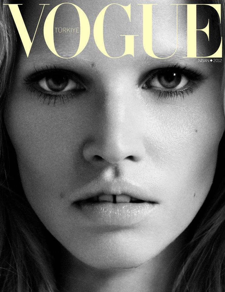 Lara Stone double covers Vogue Turkey