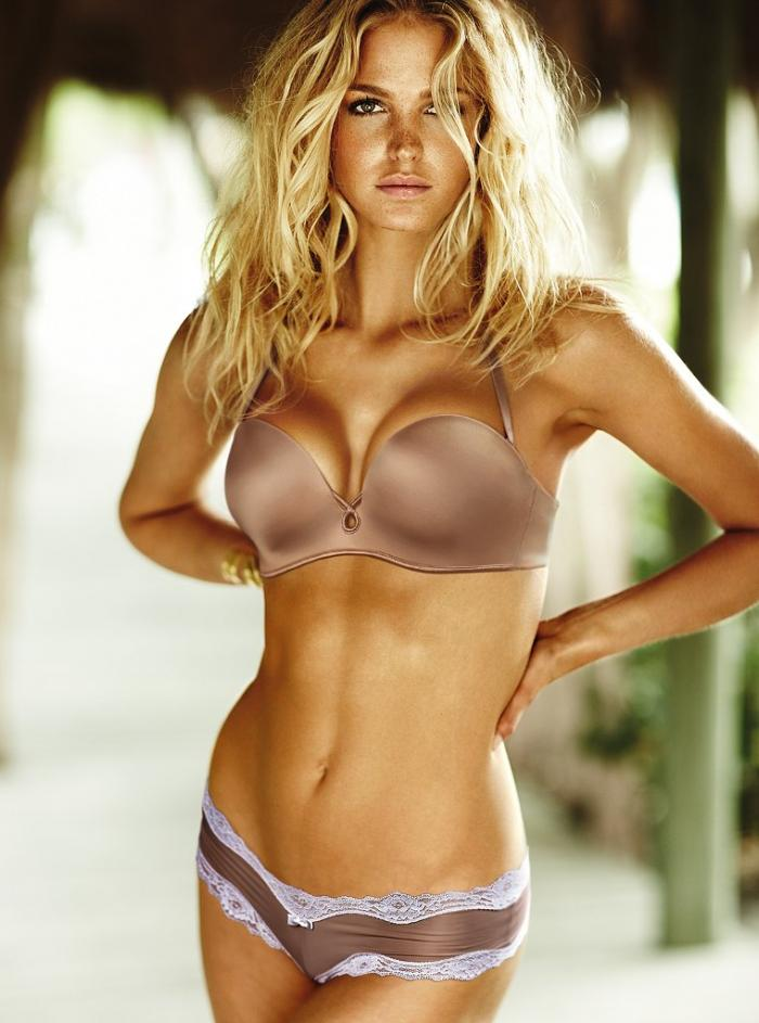 Erin Heatherton stunning in new Victoria\'s Secret photoshoot