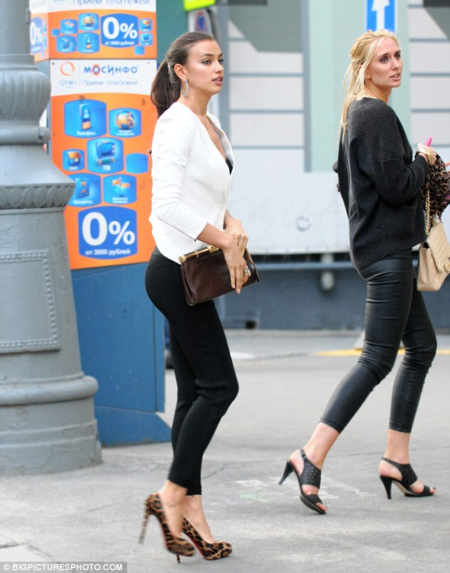 Stylish Irina Shayk dazzles the streets of Moscow