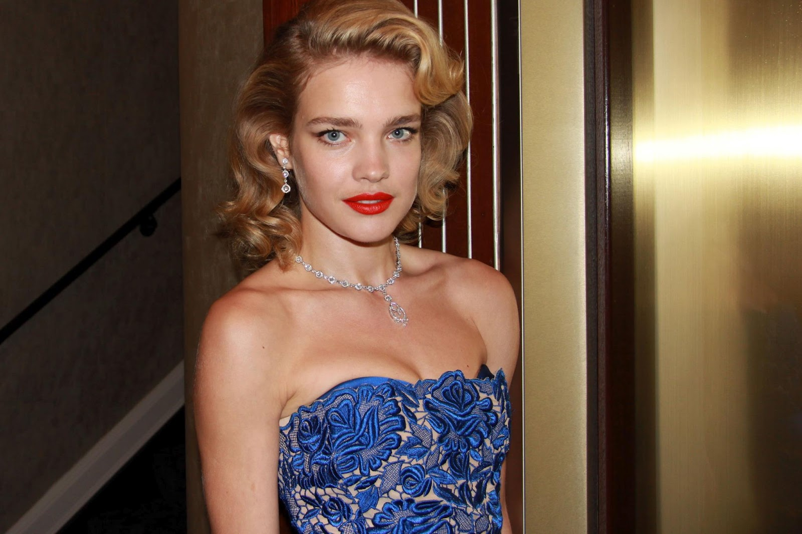 Natalia Vodianova brightens the Pop Art Ball in London in old Hollywood style!