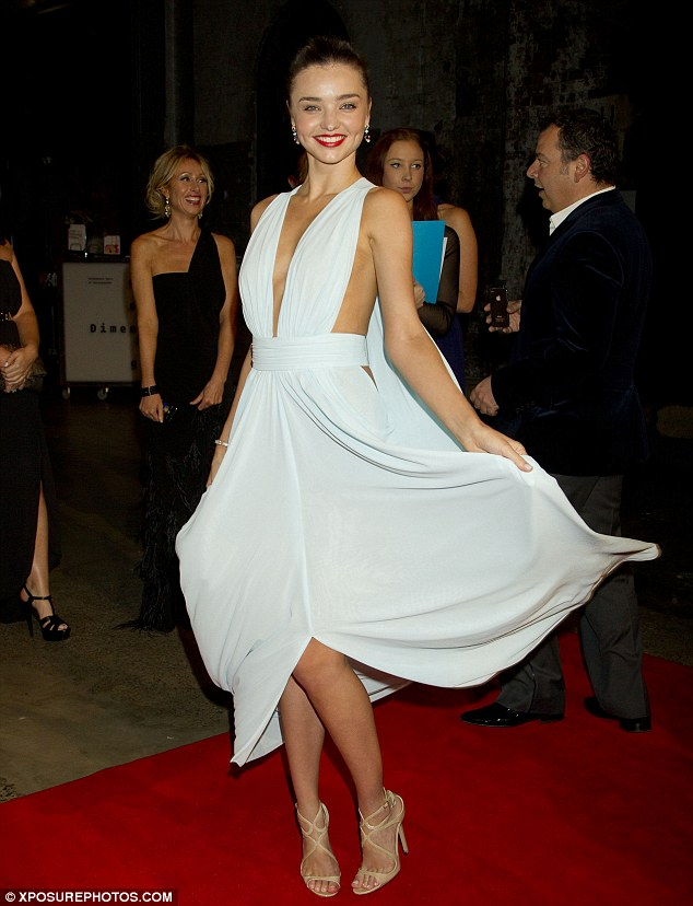 Miranda Kerr gives a 360 view of her latest red carpet gown