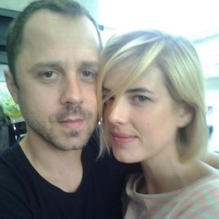 Agnes Deyn  and Giovanni Ribisi get marriaged