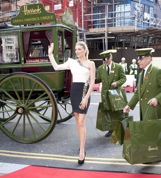 British model Lily Donaldson officially opened the Harrod\'s summer sale