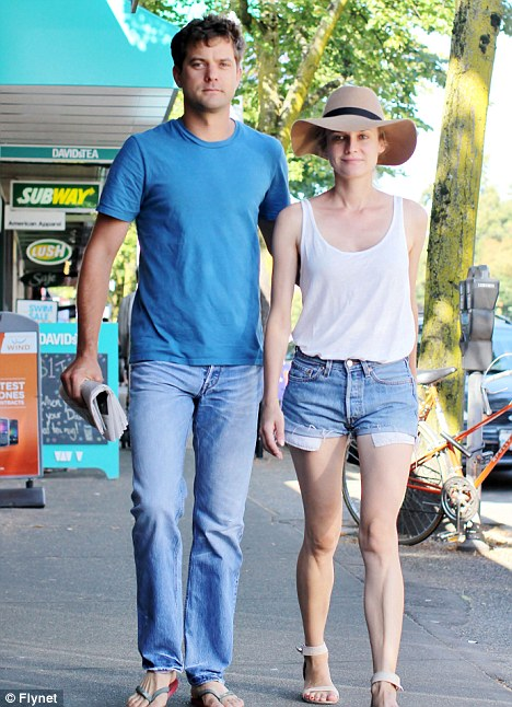 Quality time out for Diane Kruger and Joshua Jackson