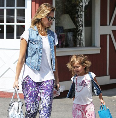 Jessica Alba and daughter Honor spend some quality time together