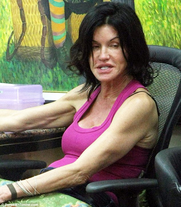Janice Dickinson puts her make-up free face on display as she pampers herself at nail salon