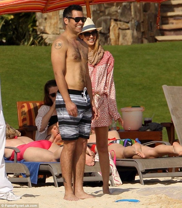 Jessica Alba sizzles under the Mexican sun