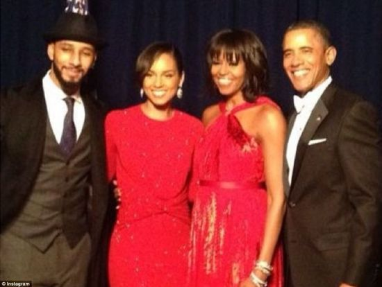Lady in Red, Michelle Obama steals the show