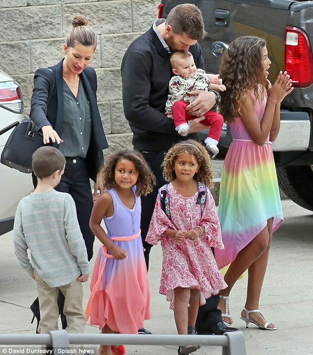 Tom Brady and Gisele Bundchen take time out for his sister\'s college graduation