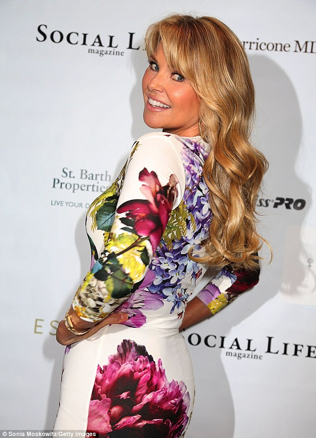 Christie Brinkley looks incredible at 59!