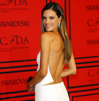There are other parts to Alessandra Ambrosio besides her legs!