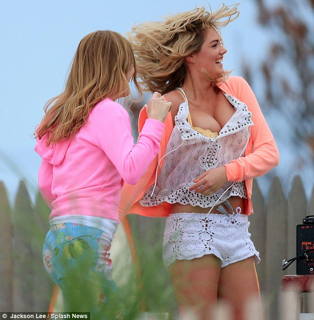 Kate Upton busts a move and more on the The Other Woman film set!