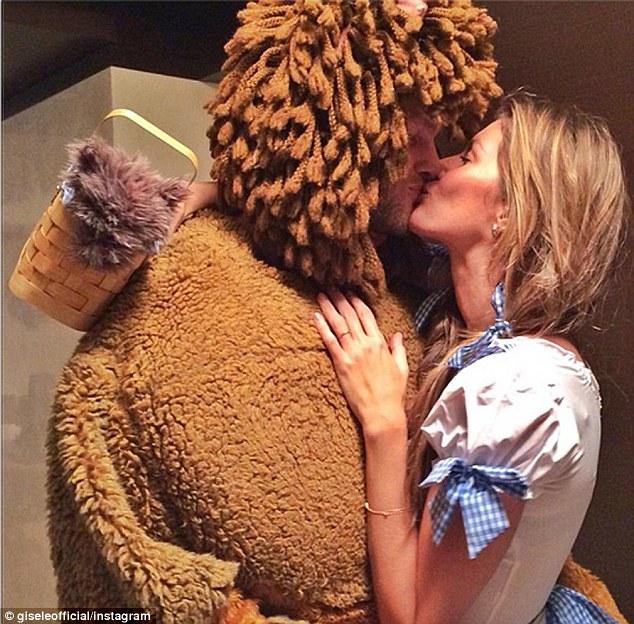 Gisele Bundchen rocks 'Dorothy' costume for Halloween party