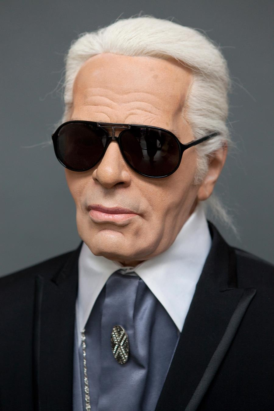 Karl Lagerfeld bites off more than he can chew?