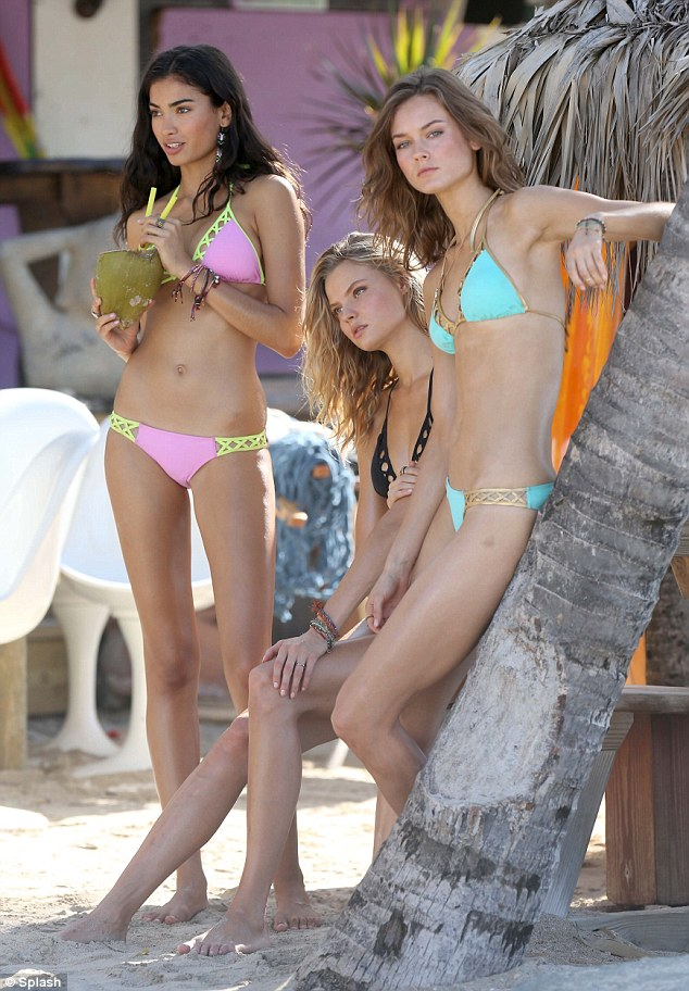 Victoria�s Secret models show off their bikini forms on tropical photoshoot