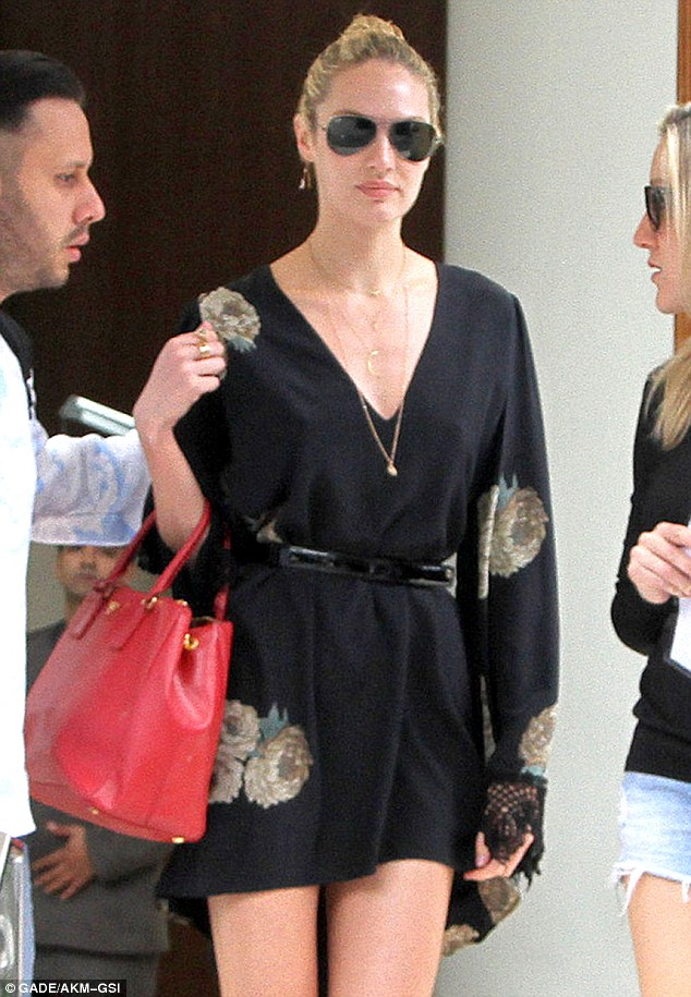 Sao Paulo Fashion Week sees Candice Swanepoel strutting her stuff!