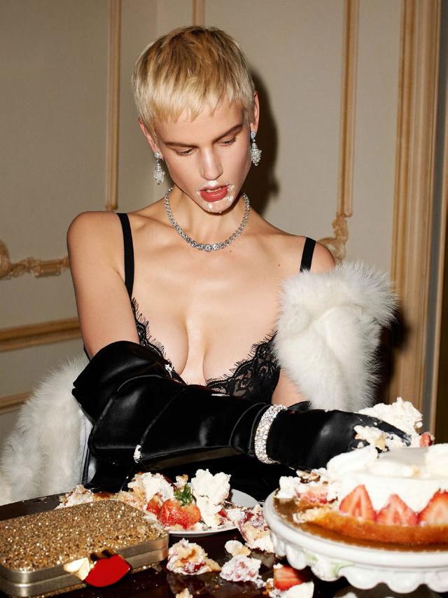 Saskia de Brauw for French Vogue